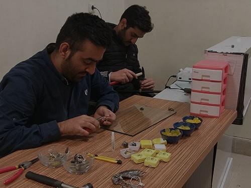 10-min خرید انگشتر فیروزه نیشابوری نفیس و انواع گردنبند زنانه و مردانه