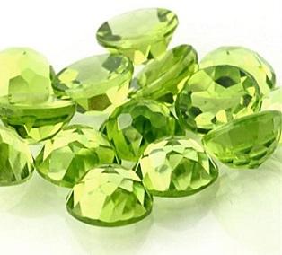 pridot-stone گردنبند نقره زنانه طرح آیسو با سنگ زبرجد الماس تراش اصلی