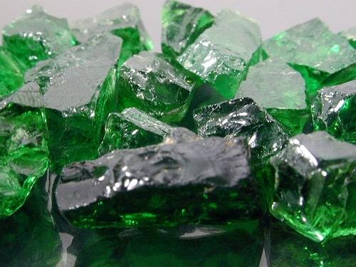 -سبز زمرد: خواص انگشتر و سنگ زمرد سبز + ویژگی ها و نحوه تشخیص سنگ زمرد