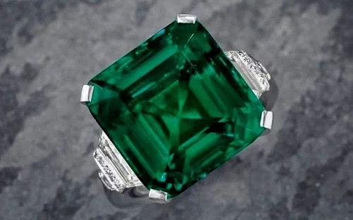 -زمرد-سبز- زمرد: خواص انگشتر و سنگ زمرد سبز + ویژگی ها و نحوه تشخیص سنگ زمرد