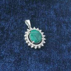6-3-011-emerald-necklaces-3-230x230 سنگ ماه تولد خرداد : بررسی تخصصی سنگ ماه خرداد + خواص + قیمت
