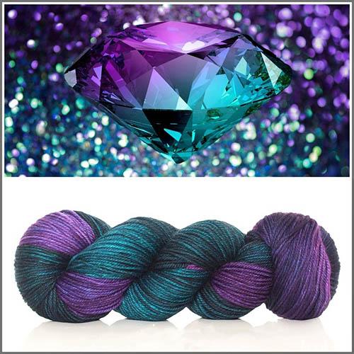 Alexandrite-diamond الکساندریت: تمام ویژگی های شگفت انگیز + خواص الکساندریت هفت رنگ