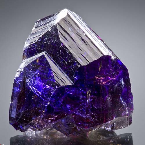 amethyst-ston-properties سنگ آمیتیست: تاریخچه، روش نگهداری، تشخیص + خواص سنگ آمیتیس بنفش