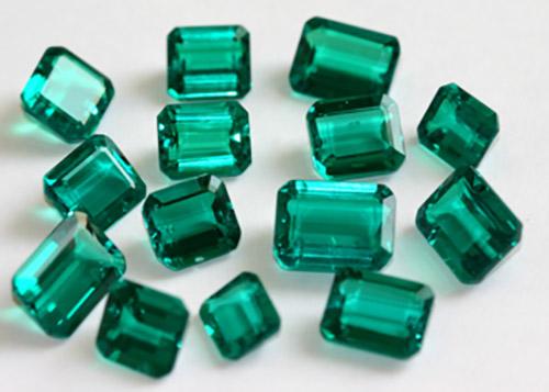 emerald-5 زمرد: خواص انگشتر و سنگ زمرد سبز + ویژگی ها و نحوه تشخیص سنگ زمرد
