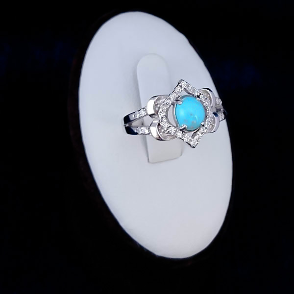 mehri-girl-ring-1 فیروزه اصل را چگونه بشناسیم؟ به همراه توضیحات کامل قیمت سنگ فیروزه نیشابوری