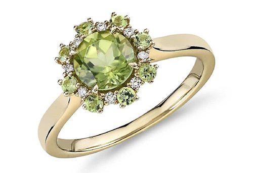 women-peridot-ring-e1570005808447 سنگ زبرجد: خواص سنگ زبرجد سبز در اسلام، روش تشخیص، نگهداری و قیمت زبرجد