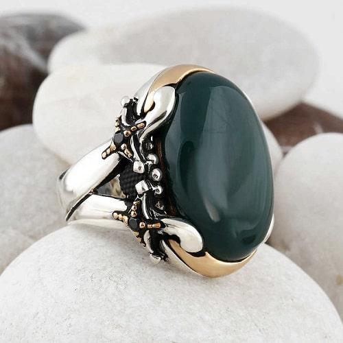 -یشم-و-عقیق-سبز عقیق سبز: آنچه درباره سنگ عقیق سبز و خواص فراوان این سنگ سبز باید بدانید