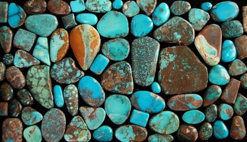 -فیروزه-زنده فیروزه اصل را چگونه بشناسیم؟ به همراه توضیحات کامل قیمت سنگ فیروزه نیشابوری