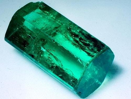Emerald-Raw-Emerald قیمت زمرد: آموزش تشخیص و تعیین قیمت سنگ زمرد اصل کلمبیا، پنجشیر و زامبیا