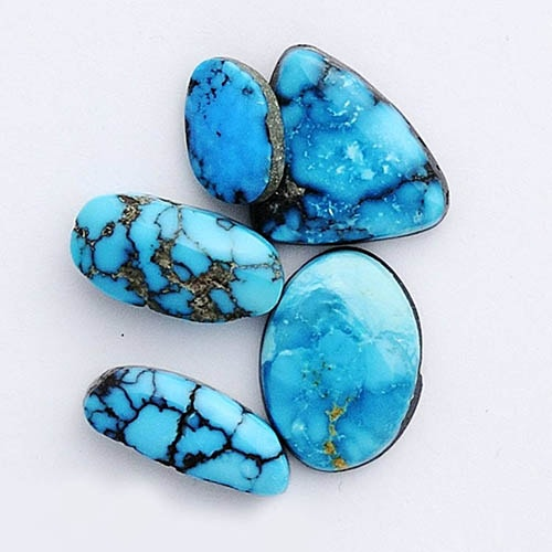 Turquoise-rocks خواص سنگ فیروزه: شگفتانگیزترین خواص انگشتر فیروزه