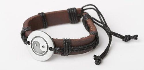 bracelet09-e1564468627807 دستبند: نکات طلایی برای انتخاب مدل دستبند +۶۰ عکس دستبند خاص