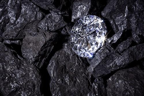 diamond-mine-1 الماس : همه چیز درباره این گوهر نایاب +خواص+ ۱۰ سنگ الماس بزرگ جهان