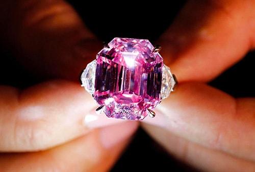 diamond-ring الماس : همه چیز درباره این گوهر نایاب +خواص+ ۱۰ سنگ الماس بزرگ جهان