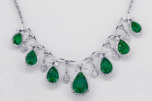 emerald-neklace سنگ زمرد پنجشیر افعانستان: نحوه تشخیص، روش نگهداری و خواص زمرد افغانستان