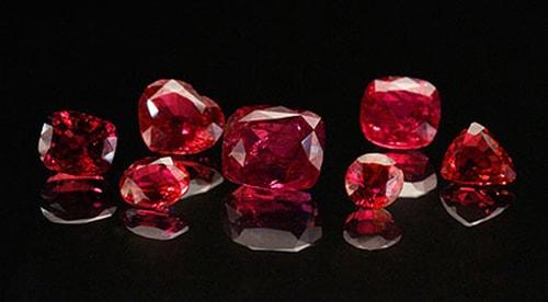 ruby-stone3 قیمت یاقوت کبود و قیمت یاقوت سرخ معدنی +راهنمای حرفهای قیمتگذاری در ایران