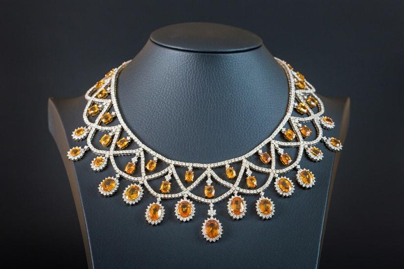 yellow-Sapphire-necklace یاقوت زرد : راه تشخیص و قیمت گذاری + خواص کامل سنگ یاقوت زرد