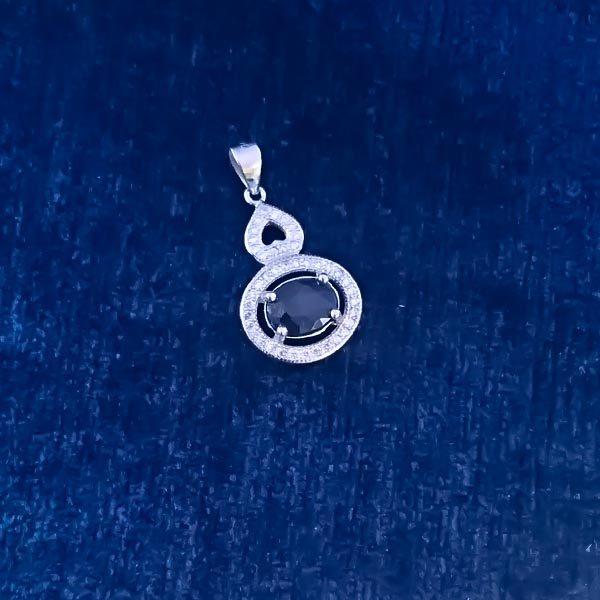 7-3-023-burgundy-ruby-necklaces-4 گردنبند نقره زنانه طرح پانیا با سنگ یاقوت کبود الماس تراش