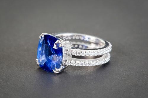 Sapphire-necklaces سنگ ماه تولد مهر : بررسی تخصصی سنگ ماه مهر + خواص + قیمت
