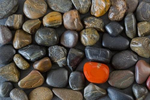 black-stones-one-coral-orange سنگ ماه تولد آبان :بررسی تخصصی انواع سنگ ماه آبان + خواص + قیمت