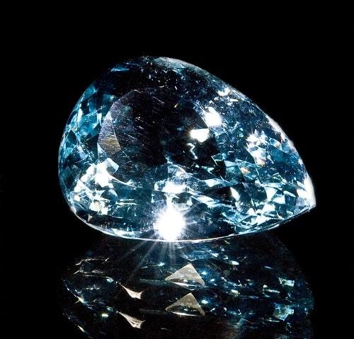 blue-topaz سنگ ماه تولد آذر: بررسی تخصصی انواع سنگ ماه آذر + خواص + قیمت
