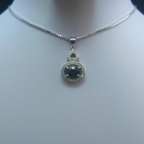 burgundy-ruby-necklaces سنگ ماه تولد اسفند مطابق توافق جهانی و خواص کامل سنگ ماه اسفند