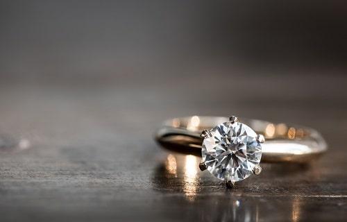 diamond-table1-min قیمت هر قیراط الماس به دلار + قیمت هر گرم الماس به تومان (بررسی دقیق)
