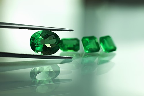 emerald-4 سنگ ماه تولد اردیبهشت مطابق توافق جهانی + خواص کامل سنگ ماه اردیبهشت