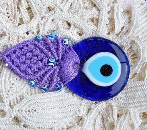 evil-eyes-6 چشم نظر (چشم و نظر): دیدگاه علما درباره سنگ چشم نظر + آیات و احادیث