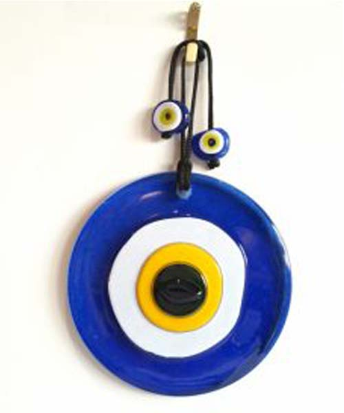 evil-eyes4 چشم نظر (چشم و نظر): دیدگاه علما درباره سنگ چشم نظر + آیات و احادیث
