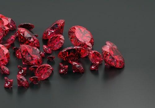 red-ruby سنگ ماه تولد آبان :بررسی تخصصی انواع سنگ ماه آبان + خواص + قیمت