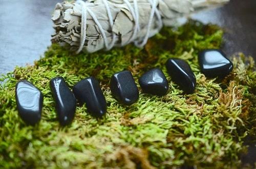tumbled-obsidian1 سنگ ماه تولد آبان :بررسی تخصصی انواع سنگ ماه آبان + خواص + قیمت