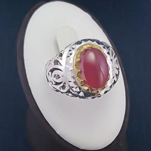 red-yemeni-men-ring سنگ ماه تولد دی : بررسی تخصصی انواع سنگ ماه دی + خواص + قیمت
